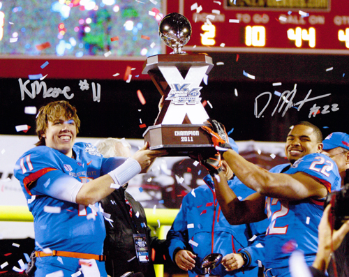 KELLEN MOORE AND DOUG MARTIN SIGNED BOISE STATE BRONCOS 16X20 PHOTO MACO BOWL